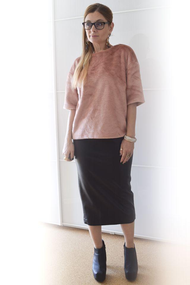 die EDELFABRIK   Modeblog und Beautyblog   Kassel   Frankfurt   Hannover   Ü40 Blog: Wie kombiniere ich einen engen Lederrock - Outfit