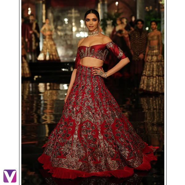 """Manish Malhotra stunned us with an another brilliant collection - """"The Persian Story"""" ! Showstopper #deepikapadukone looked ethereal in an elaborate red Bridal Lehenga! #manishmalhotra #indiacoutureweek2016 #couture #indiancouture #persianinfluences #indianwear #bridalwear #voonik"""