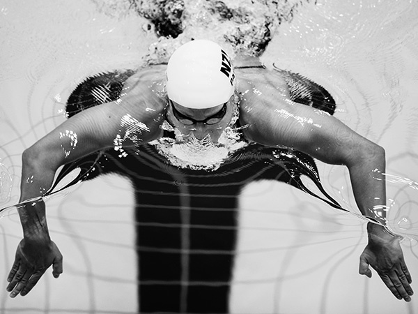 Sophie Pascoe of New Zealand competes in the Women's 100m breaststroke SB9 heat on day 10 of the London 2012 Paralympic Games at Aquatics Centre on September 8, 2012 in London, England. (Photo by Hannah Johnston/Getty Images)