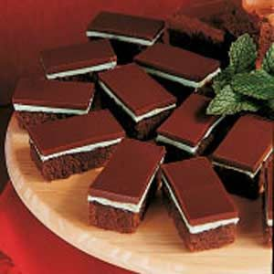 """making these for Christmas dessert. i'm all """"pied"""" out from thanksgiving.: Chocolate Mints, Brownie Recipes, Recipe Sweet Treats, Chocolates Mint Brownies, Brownies Recipe, Yummy, Baking, Mint Chocolate, Chocolate Mint Brownies"""