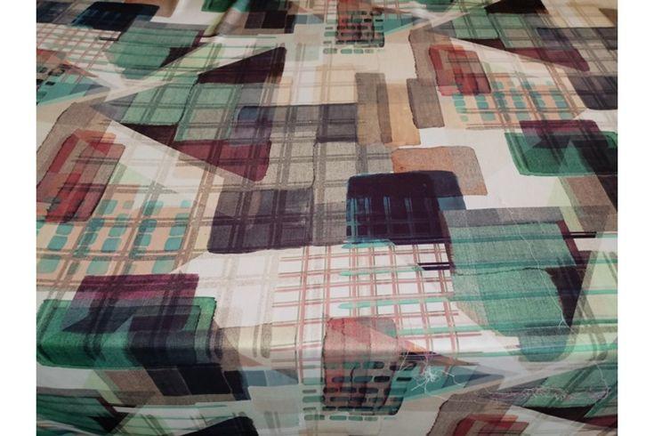 Raso fino estampado de formas geométricas de varios colores, con buena caída ideal para la confección de kimonos, monos, vestidos, pijamas..#Raso #estampado #fino #formas #geométricas #verde #crudo #gris #caída #kimono #mono #vestidos #pijamas #tejido #tejidos #tela #telas #textil #telasseñora #telasniños #comprar #online #comprartelas #compraronline