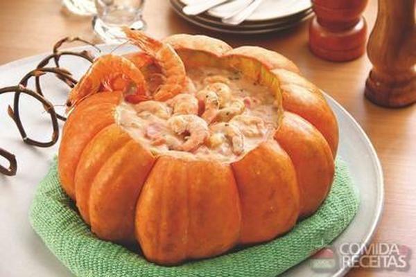 Receita de Camarão na moranga com requeijão em receitas de crustaceos, veja essa e outras receitas aqui!