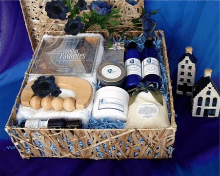 Housewarming Spa Gift Basket: Send a very caring and unique welcome to the new home owners to celebrate the new beginning in their lives. Moving is an exciting change but it can be very tiring and exhausting as well. Give them the priceless opportunity to slow down and catch their breath. With this wonderful housewarming gift basket, they can create their own relaxing retreat to revitalize and restore physical and mental well-being…