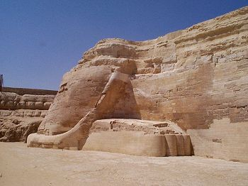 The areas include the southern paw, the southern side of the Sphinx, and the tail. - Copyright 1998 Andrew Bayuk, All Rights Reserved