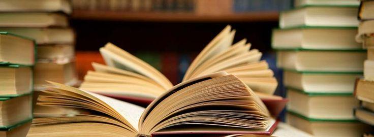 Si te apetece regalar uno, tienes la obra elegida, pero no sabes qué escribir, aquí te dejo unas cuantas dedicatorias para libros para que las uses.