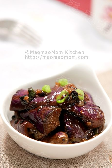 【Eggplant stir fry in garlic and black bean sauce】  by MaomaoMom  I made this stir fry eggplant dish in garlic and black bean sauce for dinner, it is so tasty. In order to avoid the traditional way of deep frying the