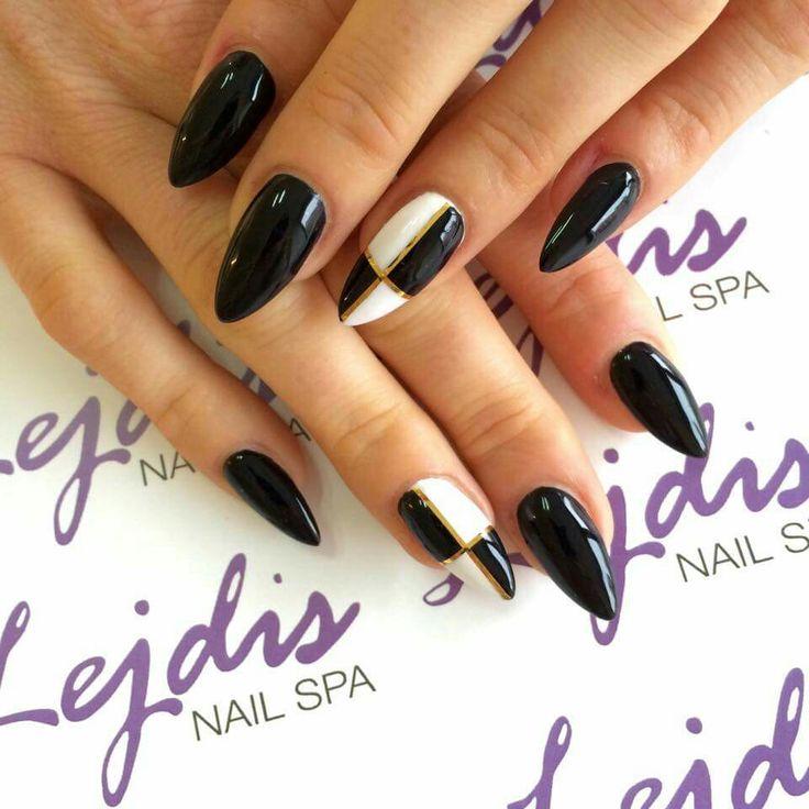 Lakiery hybrydowe SPN: UV LAQ 502 My wedding dress, 503 Black Tulip. Nails by: Martyna, Lejdis nail SPA #spn #spnnails #uvlaq #inspiracje #paznokcie