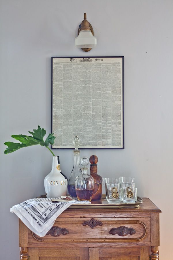 ART + gold crest glasses! FDR Chic – a dude's mix of antique, mid-century and bohemian style