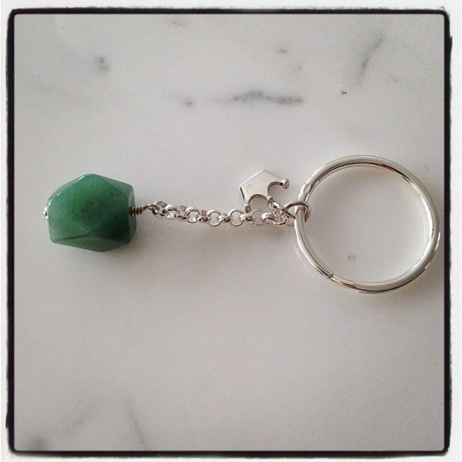 Keyring from silver 925 with a silver crown and an aventurine stone 42€