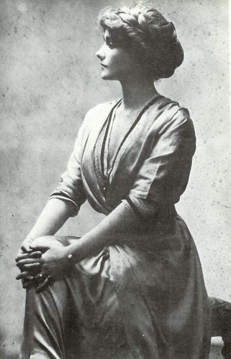 """Gabrielle """"Coco"""" Chanel (c1906)"""