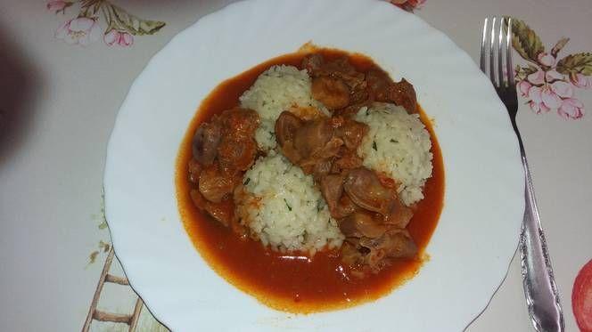 Csirkezúza és szív pörkölt rizzsel