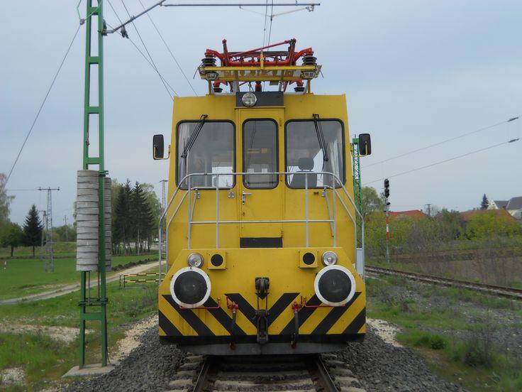 FJ-202 front