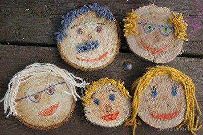 Portrety rodziny na drewnianych krążkach. Portrait of a family on wooden slise. Art project for children.