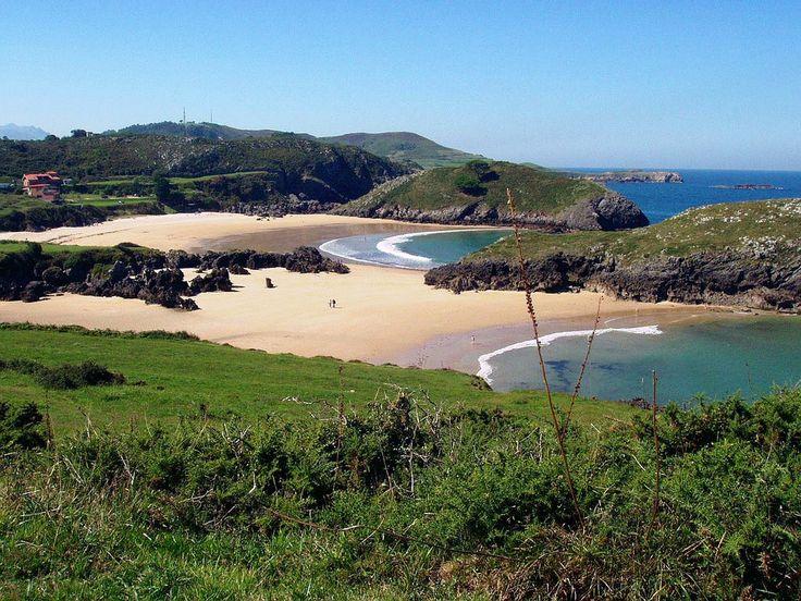 Playas de Sorraos y Barro, LLanes, Asturias. © Antonio Alba Arena y Grava / Aguas tranquilas / Longitud:100 (m) / Anchura:41 (m)