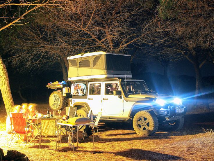 Jeep Wrangler in night with roof tent James Baround