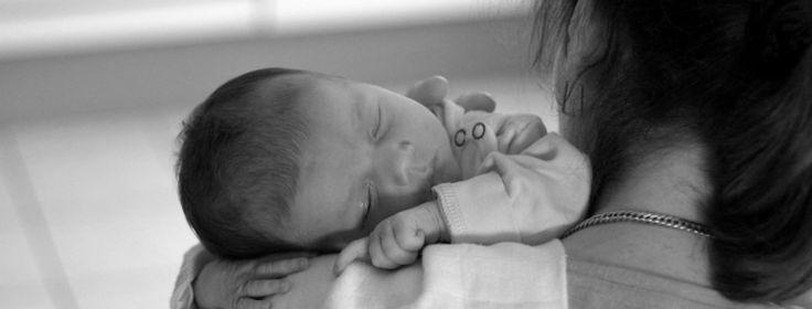 Carta a una nueva madre    Quiero decirte algunas cosas:  Primero que nada, respira profundo. Aunque en este momento no lo parezca, todo este asunto de ser madre será un poco más fácil cada día. El trabajo siempre será mucho y podrás sentir que no puedes más o que no lo estás haciendo bien, pero poco a poco irás conociendo a tu nuevo bebé y redescubriéndote a tí misma.  www.unamamamillennial.com
