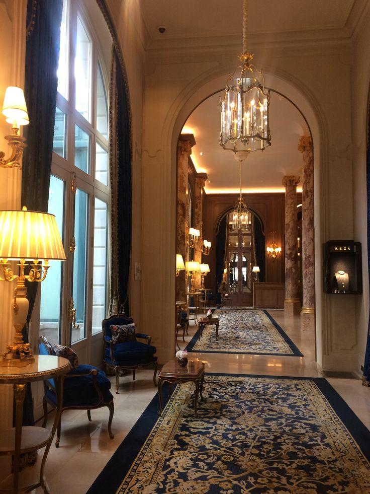 Palace parisien  Perspective classique, meubles d'epoque Le Ritz , Paris  #travel #inspiration #hotel #hotels #interior #design #interiordesign #decoration #furniture #color #atmosphere #palace #paris #style