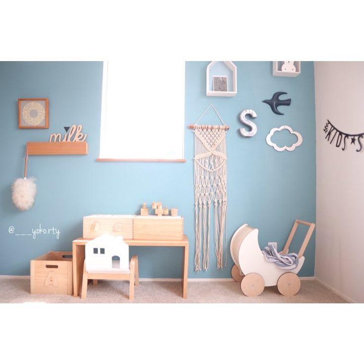 ''  ・  砂場作る予定が...  一日中義実家でダラダラしている夫婦です。ぼー。  だめだ、なんもしたくない..  まあ、こんな日もあるか  ・  りっくんはひいじいじとひたすら遊んでますらくだ〜  ・  #yokoおうち記録   愛用品は楽天roomから⚑︎⚐︎  ☞プロフィールtop に URLあります  ・  #kidsroom#kidsspace  #キッズルーム#子供スペース  #mamanokoお家フォト#おうちフォト#買い物#interior#インテリア#ルームクリップ#RC#楽天room#myroom#mygoodroom#おうち#子供と暮らす#こどもと暮らす#マリメッコ展#マリメッコポストカード#バーズワーズ#ザラホーム#oohnoo#手押し車#無印良品#クラウドオブジェ#おままごとキッチン#miffy#ミッフィー