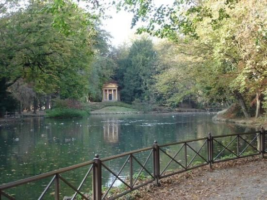 Parco di Monza, where Ivo and Lina rent bicycles.