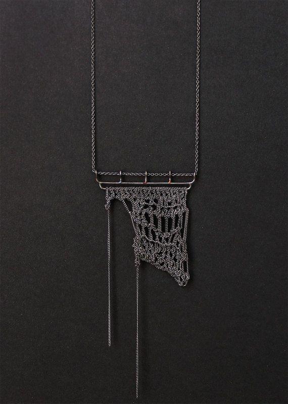 RIO NEGRO crochet necklace par PetiteMortShop sur Etsy