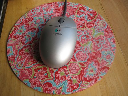 February 13 ~ FQ Project of the Day « Sew,Mama,Sew! Blog No Sew Mouse Pad