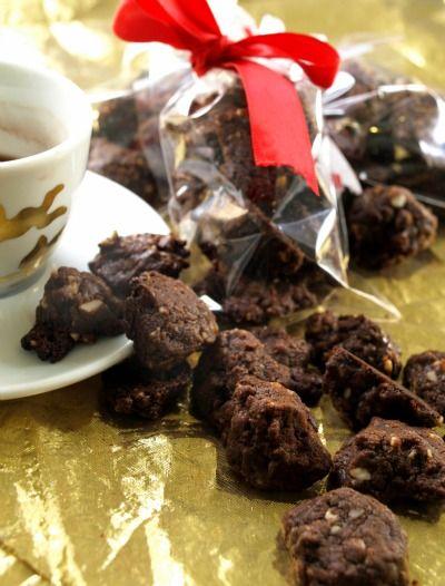 Sassolini di brownies : divertente e facile prepararli con i bambini, li regaliamo a Natale?