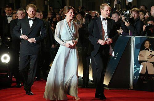 Британские принцы посетили премьеру фильма о Бонде (+фото)