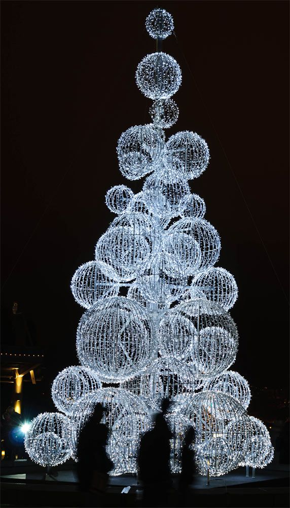 A post-modern Christmas tree by ~LarryRaisch on deviantART