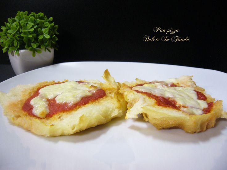 Pan pizza Dove c'è la parola pizza per me c'è felicità, venite a scoprire la mia ricetta facile facile del Pan pizza Ingredienti Pani del giorno prima lat