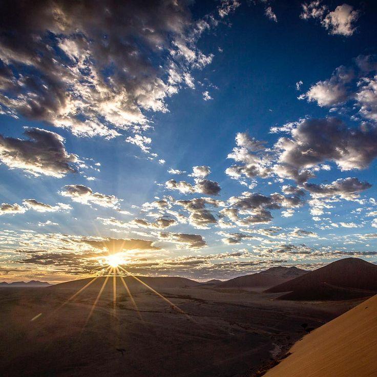 "98 Likes, 2 Comments - Andrew Aveley (@andrewaveley) on Instagram: ""Dawn Star.  #namibia #sunrise #dunes #starburst #knysnaphotographer #creatingphotography #print…"""