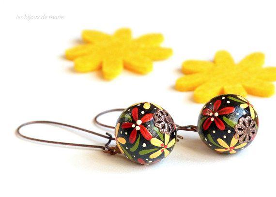 Nero, rosso e giallo dipinto a mano legno orecchini, orecchini di legno, dipinto a mano orecchini, orecchini nero e rossi, orecchini di legno, dipinto a mano