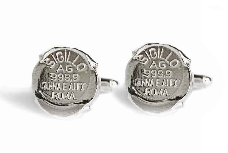 Sigillo cufflinks with 999,9 pure silver seal. www.annaealex.com