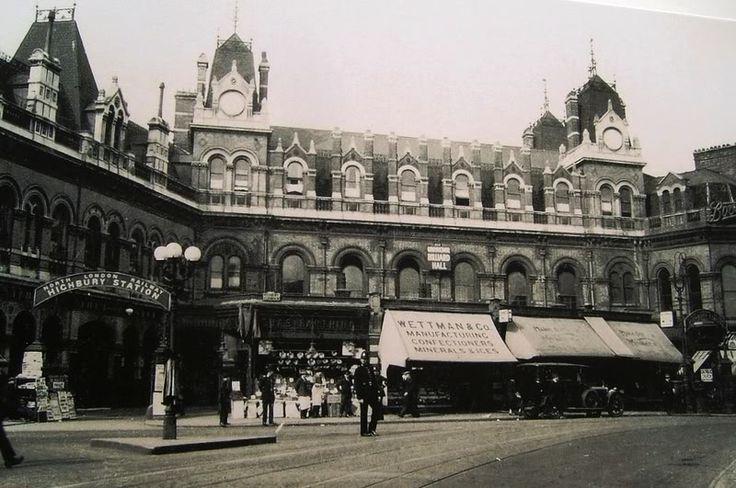 The original Highbury & Islington Station on Highbury Corner - lost during WWII;