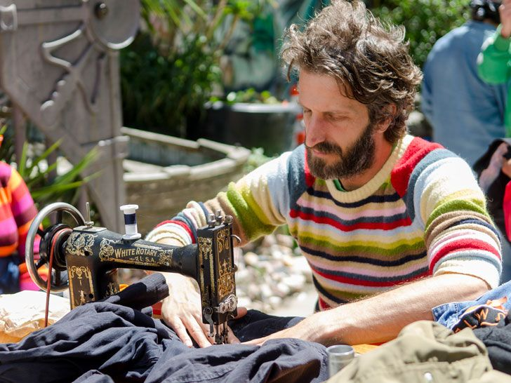 Meet Michael Swaine, a man mending clothes for free