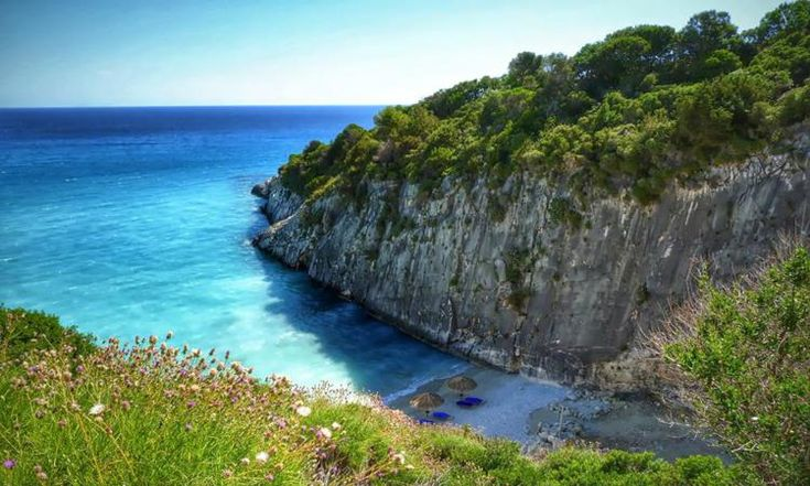 Xigia Beach Zakynthos: Situated on the north-eastern part of Zakynthos with very clear sea water and picturesque scenery.