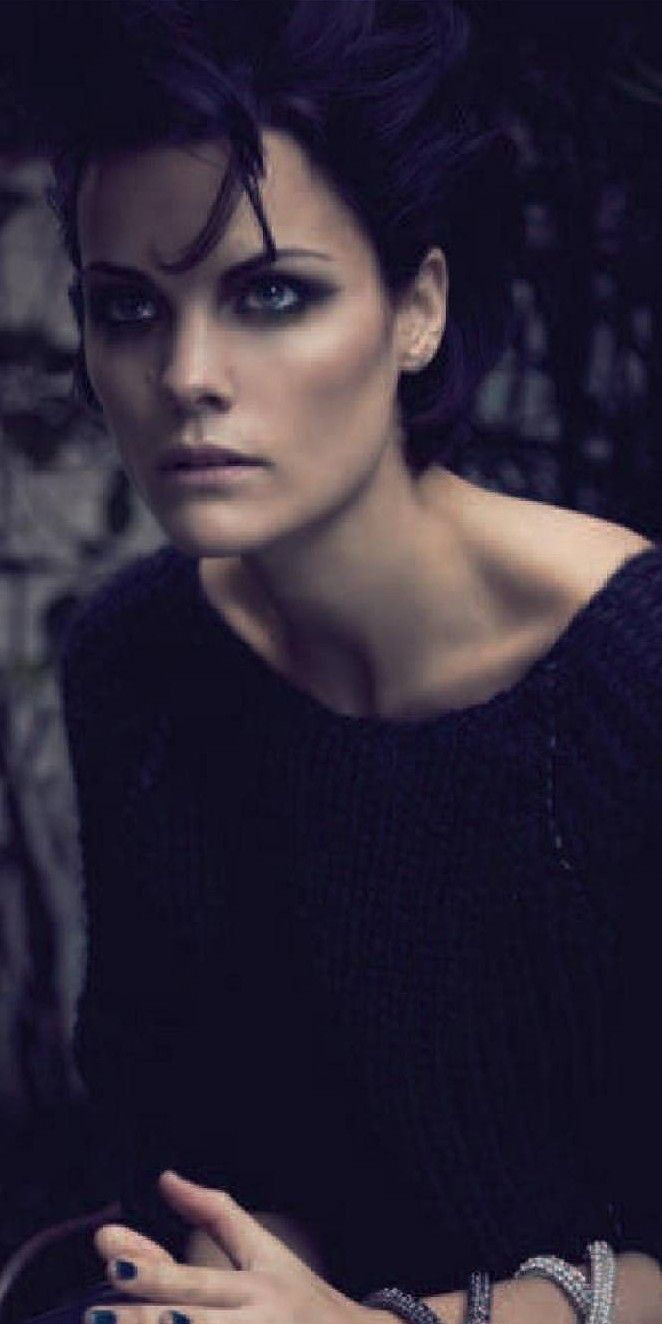 Dark and intense here as Jaimie Alexander so often is at the center of the NBC series 'Blindspot', of which she is the saving grace (Endless Seas) (via JA Jorge Padilla | people)