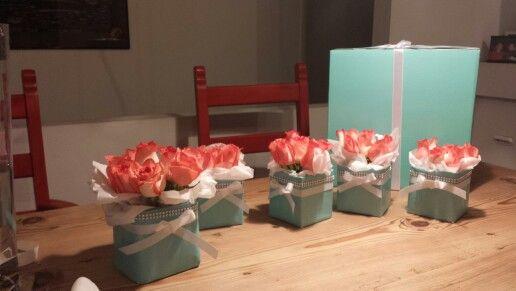 DIY Breakfast at Tiffany's centerpieces