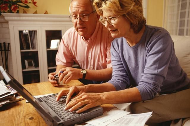 When Can I Start Collecting Social Security?: Social Security retirement age depends on numerous factors.