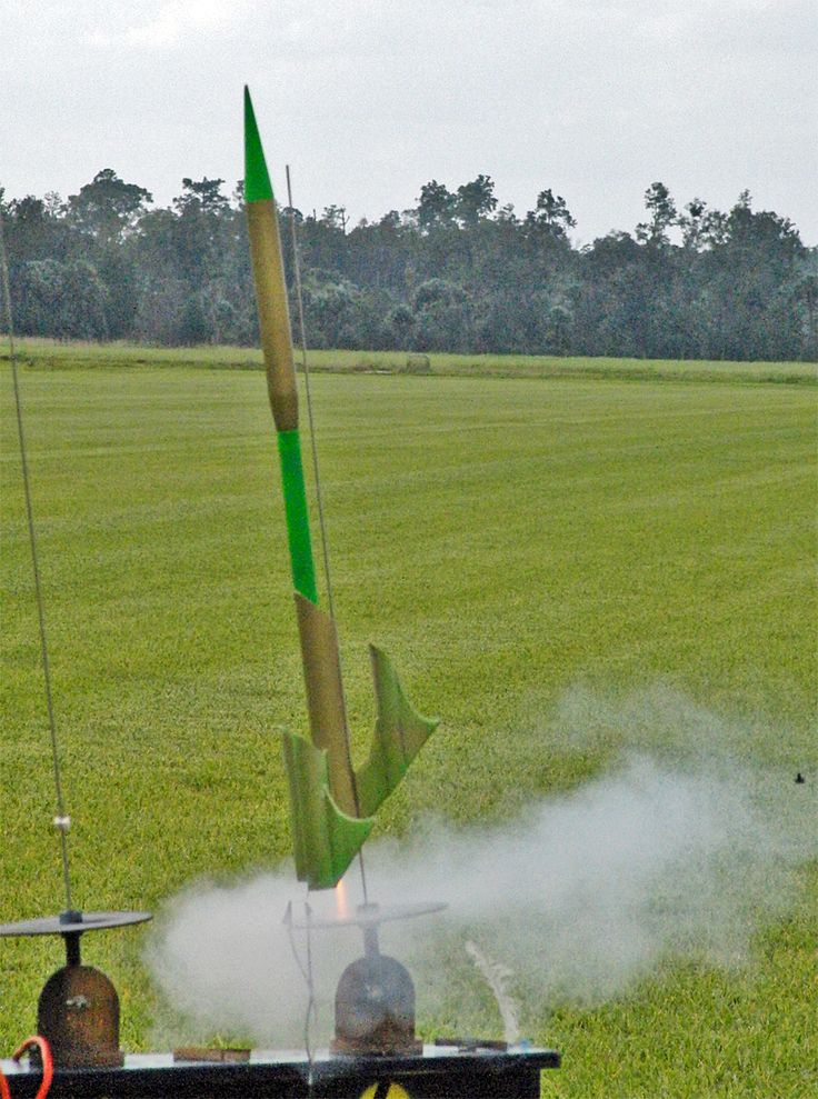 Image of FlisKits US Tog Model Rocket Kit