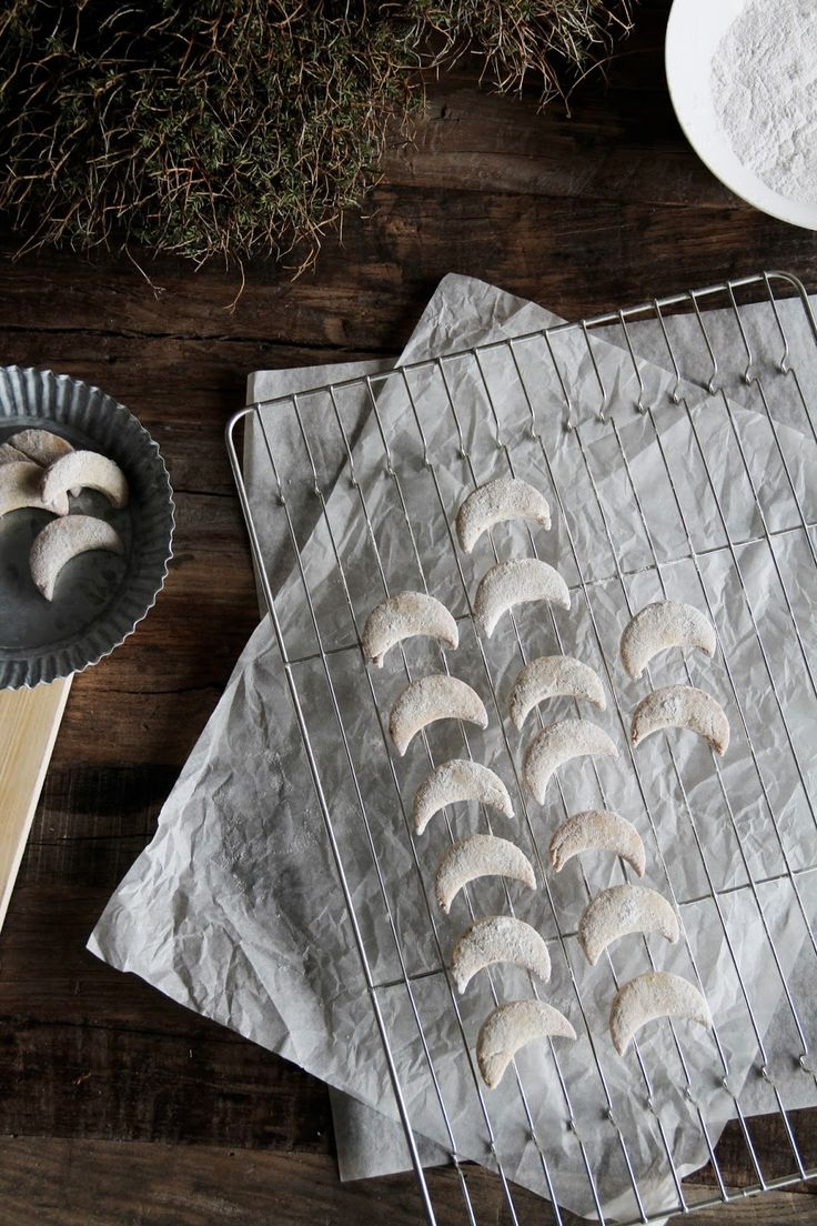 fork and flower: german vanilla crescent cookies