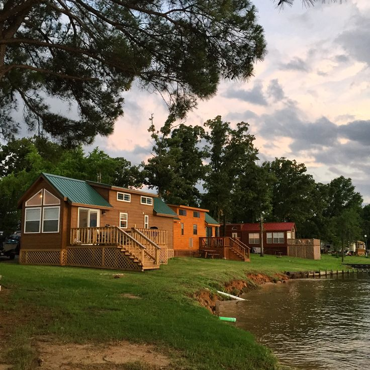 17 best images about waterfront cabin lodging on pinterest for Fishing cabins in texas