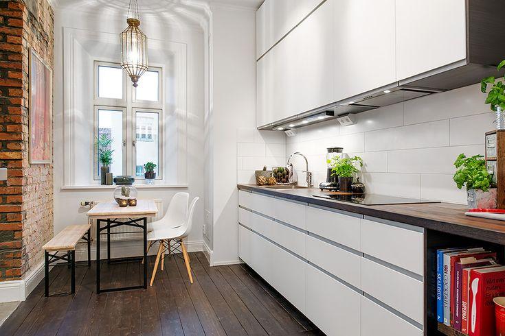 Delightful One-Room Scandinavian Crib With Plenty of Living Space