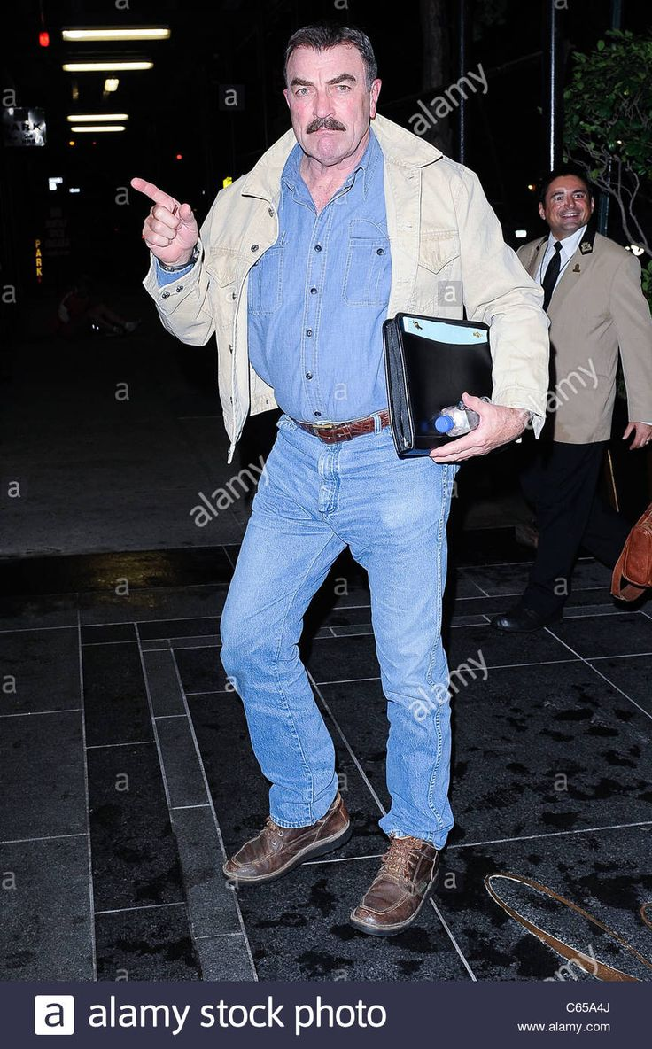 Tom Selleck, enters his Upper East Side hotel out and about for CELEBRITY CANDIDS -