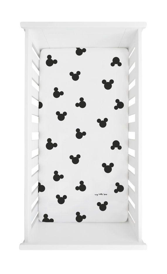 Baby Spannbettlaken Print Meet the mouse Mickey von mylittlelooove