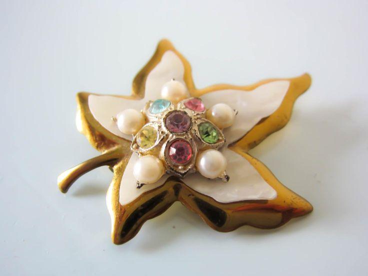 Vintage brooch, vintage maple leaf, pink flower brooch, 1950s style brooch, rhinestone, maple leaf pin, gift for women/her, Ladies brooch by thevintagemagpie01 on Etsy