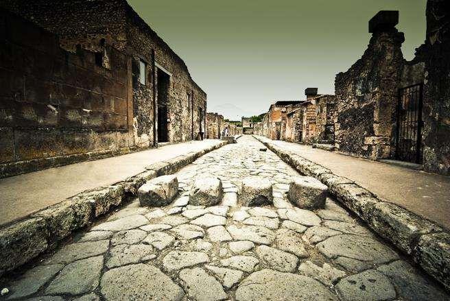 Una de las calles principales de las ruinas de Pompeya, Nápoles, Italia - Proporcionado por La Vanguardia Ediciones, S.L.