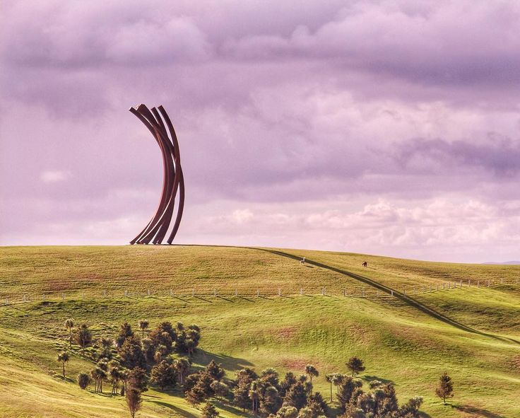 If you like ridiculous sculptures try to visit Gibb's Farm near Auckland sometime - it's an amazing place. For scale see if you can spot the llamas (hint: they're near the shadow of the sculpture) @visitauckland - @theglobalcouple on Instagram