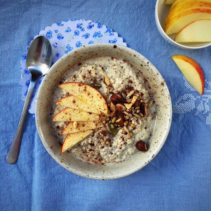En varmende skål grød er manges idé om den bedste start på dagen. Vil du gerne spare på kulhydraterne, kan du prøve at bytte havregrøden til denne varme mandel-chia-grød. Jeg er ikke selv den store…