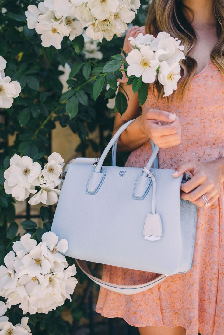 GMG Now Classic Fall Handbags http://now.galmeetsglam.com/post/233291/2016/classic-fall-handbags/