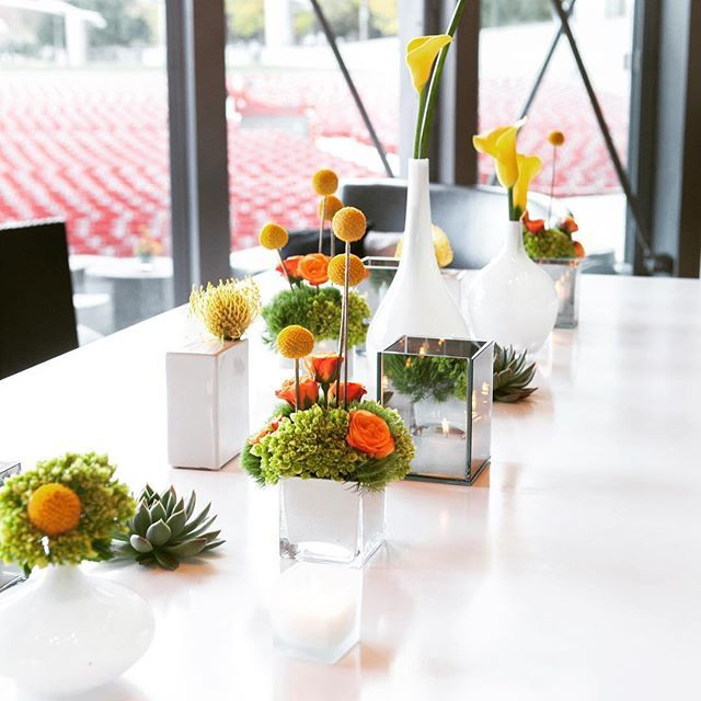 A bright, creative floral arrangement can bring your venue to life at your next corporate event #EventProfs #tips